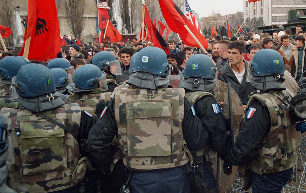 the role of nato in the kosovo crisis Kosovo's conflict the troubled history of the region, and the deep-rooted antagonisms between the different ethnic groups laying claim to it robert bideleux.