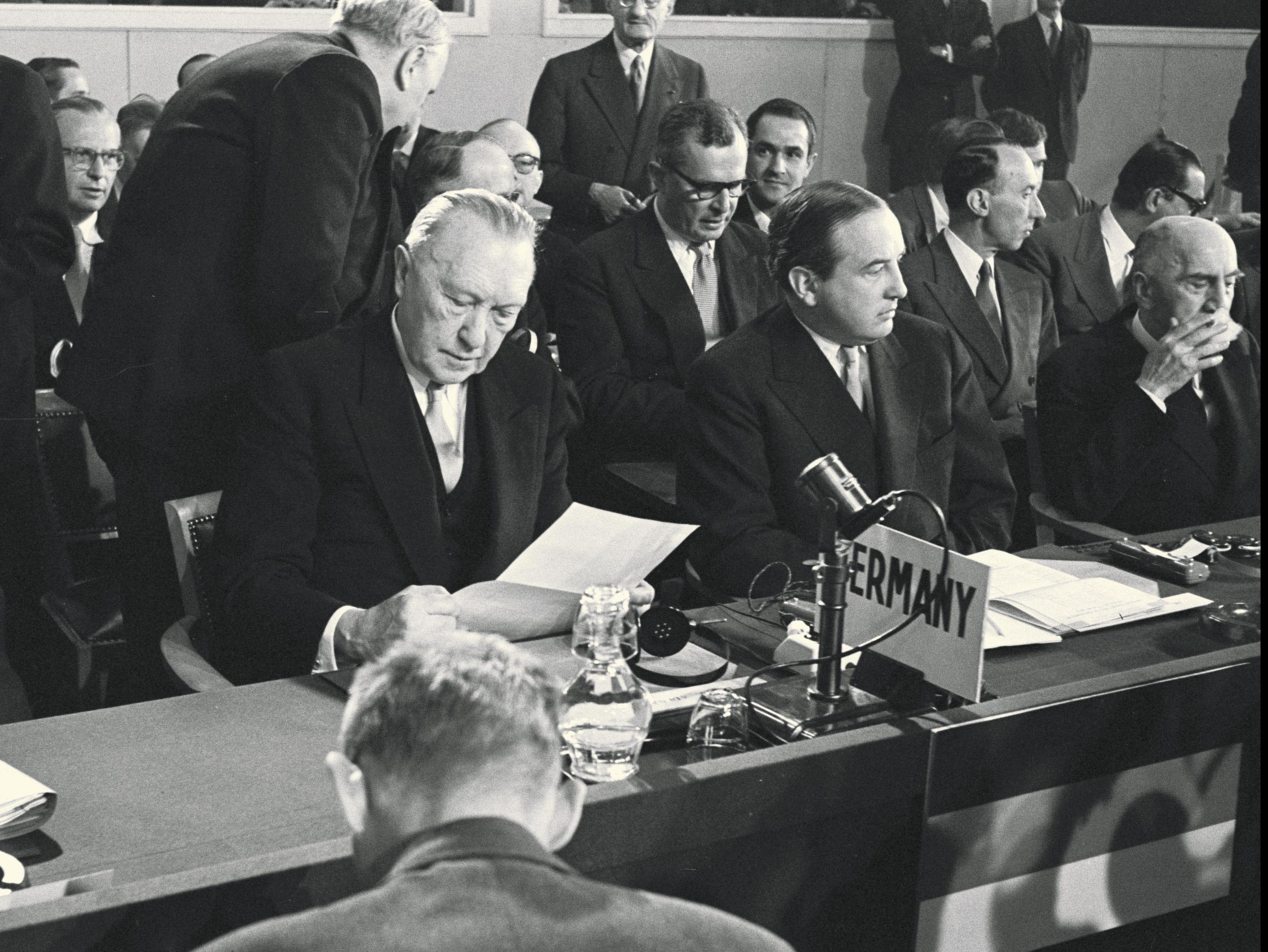 West Germany joins NATO 1955 Germany accessionNATO1jpg : Germany20accessionNATO1 from www.nato.int size 2728 x 2048 jpeg 675kB