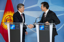 Joint press point between the President of the Kyrgyz Republic, Mr. Almazbek Atambayev (left) and NATO Secretary General Anders Fogh Rasmussen (right)