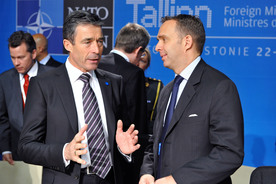 NATO agrees roadmap for transition to Afghan lead