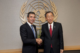From left to right: NATO Secretary General Anders Fogh Rasmussen shaking hands with UN Secretary-General Ban Ki-Moon.