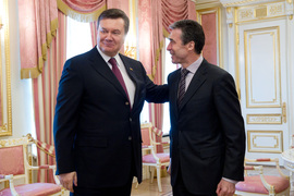 NATO Secretary General Anders Fogh Rasmussen meets with the President of Ukraine, Viktor Yanukovych