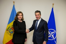 The Minister of Foreign Affairs of the Republic of Moldova, Natalia Gherman and NATO Secretary General Anders Fogh Rasmussen