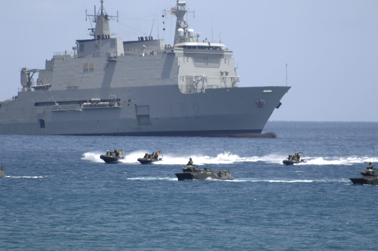 "b060623al 15-28 June 2006 NATO Response Force (NRF) Exercise ""Steadfast Jaguar"" in the Cape Verde Islands - Amphibious landing operation"
