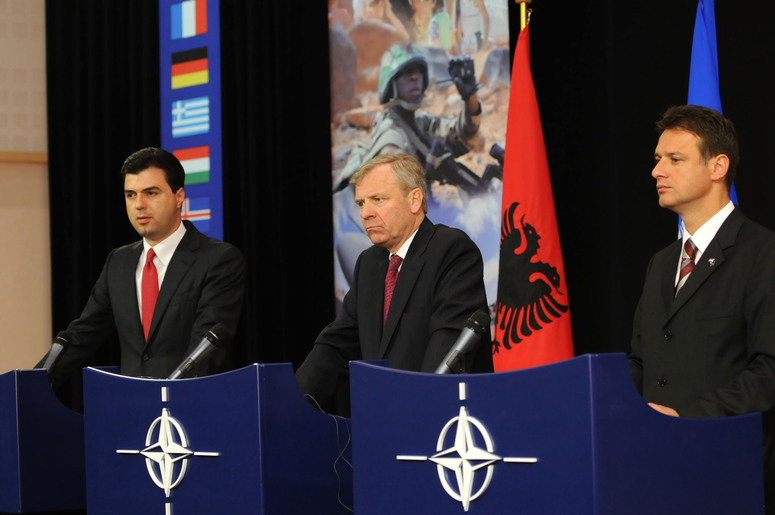 Left to right: Lulzim Basha  (Minister of Foreign Affairs, Albania); NATO Secretary General, Jaap de Hoop Scheffer; Gordan Jandrokovic (Minister of Foreign Affairs, Croatia)