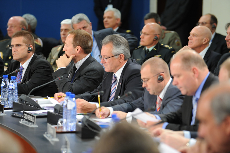 From left to right: the Minister of Defence of Bulgaria Nickolay Tsonev, the Minister of Defence of Canada Peter Gordon McKay, the Minister of Defence of Croatia Branko Vukelić, the Minister of Defence of the Czech Republic Martin Barták and the Minister of Defence of Denmark Søren Gade