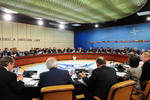 1006111a-012 Meetings of the NATO Defence Ministers , 75.09KB