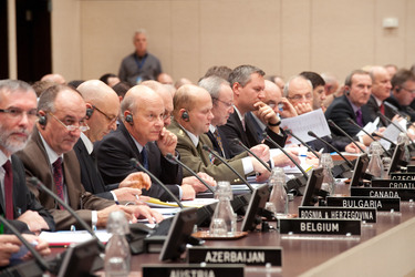 /nato_static_fl2014/assets/pictures/2010_10_101028a-cnad/20101029_101028a-023_rdax_375x250.jpg