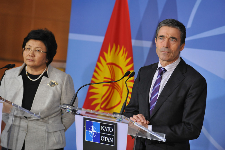 Joint press point. Left to right: the President of the Kyrgyz Republic, Ms. Roza Otunbayeva and NATO Secretary General Anders Fogh Rasmussen
