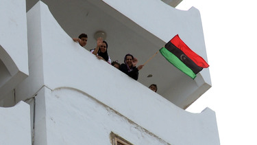 /nato_static_fl2014/assets/pictures/2011_10_111020a-tripoli-celebrations/20111021_111020a-005_rdax_375x211.jpg