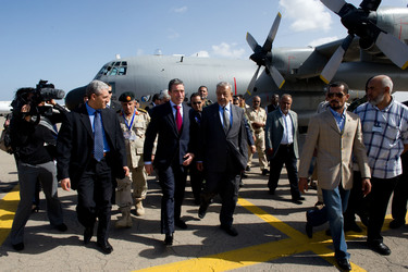 /nato_static_fl2014/assets/pictures/2011_10_111031a-sg-libya/20111031_111031a-004_rdax_375x250.jpg