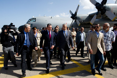 /nato_static_fl2014/assets/pictures/2011_10_111031a-sg-libya/20111031_111031a-005_rdax_375x250.jpg