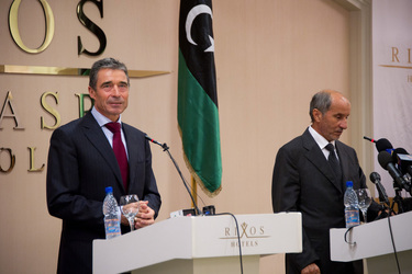 /nato_static_fl2014/assets/pictures/2011_10_111031a-sg-libya/20111101_111031a-017_rdax_375x250.jpg