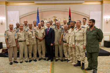 /nato_static_fl2014/assets/pictures/2011_10_111031a-sg-libya/20111101_111031a-026_rdax_375x250.jpg