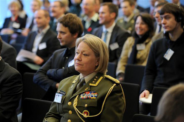 /nato_static_fl2014/assets/pictures/2011_11_111110h-conference-vilnius/20111205_111110h-009_rdax_375x250.jpg