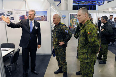 /nato_static_fl2014/assets/pictures/2011_11_111110h-conference-vilnius/20111205_111110h-015_rdax_375x250.jpg