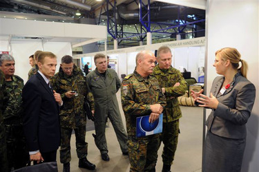 /nato_static_fl2014/assets/pictures/2011_11_111110h-conference-vilnius/20111205_111110h-016_rdax_375x250.jpg