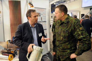 /nato_static_fl2014/assets/pictures/2011_11_111110h-conference-vilnius/20111205_111110h-020_rdax_375x250.jpg