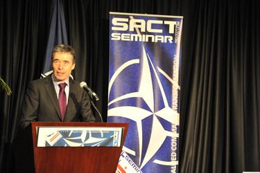 /nato_static_fl2014/assets/pictures/2012_02_120228a-act-seminar/20120228_120228a-007_rdax_375x250.jpg