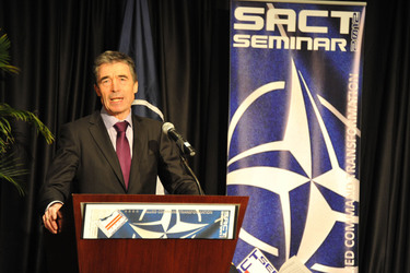 /nato_static_fl2014/assets/pictures/2012_02_120228a-act-seminar/20120228_120228a-012_rdax_375x250.jpg