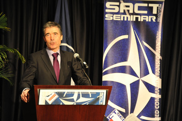 /nato_static_fl2014/assets/pictures/2012_02_120228a-act-seminar/20120228_120228a-013_rdax_375x250.jpg