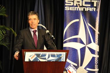 /nato_static_fl2014/assets/pictures/2012_02_120228a-act-seminar/20120228_120228a-014_rdax_375x250.jpg