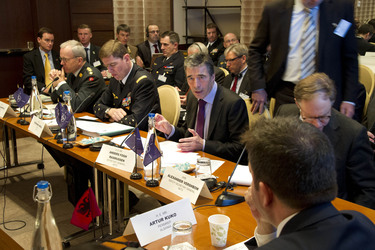 /nato_static_fl2014/assets/pictures/2012_02_120228a-act-seminar/20120229_120228a-034_rdax_375x250.jpg