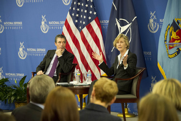 /nato_static_fl2014/assets/pictures/2012_02_120228a-act-seminar/20120229_120228a-044_rdax_375x250.jpg