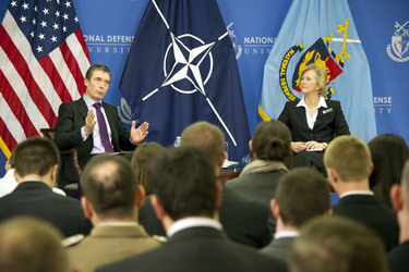 /nato_static_fl2014/assets/pictures/2012_02_120228a-act-seminar/20120229_120228a-046_rdax_375x250.jpg