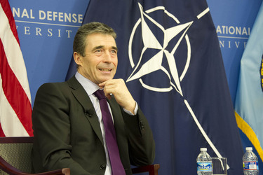 /nato_static_fl2014/assets/pictures/2012_02_120228a-act-seminar/20120229_120228a-053_rdax_375x250.jpg