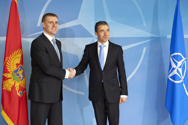 Doorstep - NATO Secretary General, Mr. Anders Fogh Rasmussen welcomes the Prime minister of Montenegro, Mr Igor Luksic