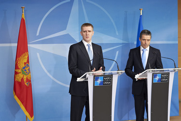 /nato_static_fl2014/assets/pictures/2012_03_120321a-pm-montenegro/20120321_120321a-009_rdax_375x250.jpg