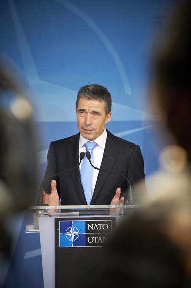 /nato_static_fl2014/assets/pictures/2012_03_120321a-pm-montenegro/20120321_120321a-024_rdax_375x564.jpg