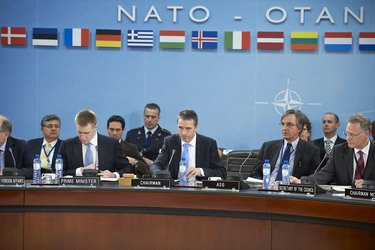 /nato_static_fl2014/assets/pictures/2012_03_120321a-pm-montenegro/20120321_120321a-034_rdax_375x250.jpg
