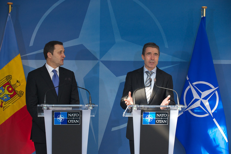 Joint press point. Left to right: the Prime Minister of the Republic of Moldova, Vladimir Filat and NATO Secretary General Anders Fogh Rasmussen