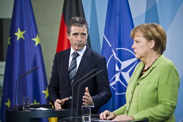 /nato_static_fl2014/assets/pictures/2012_05_120504a-sg-berlin/20120504_120504a-044_rdax_375x250.JPG