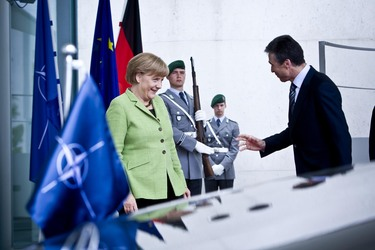 /nato_static_fl2014/assets/pictures/2012_05_120504a-sg-berlin/20120504_120504a-050_rdax_375x250.JPG