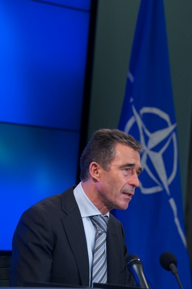 /nato_static_fl2014/assets/pictures/2012_05_120511a-sg-presscon/20120511_120511a-012_rdax_375x563.jpg