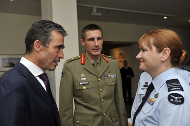 /nato_static_fl2014/assets/pictures/2012_06_120614a-sg-australia/20120614_120614a-007_rdax_375x250.jpg