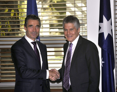 /nato_static_fl2014/assets/pictures/2012_06_120614a-sg-australia/20120614_120614a-018_rdax_375x295.jpg
