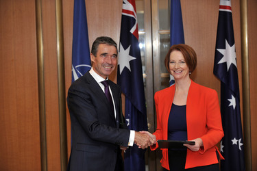 /nato_static_fl2014/assets/pictures/2012_06_120614a-sg-australia/20120614_120614a-026_rdax_375x250.jpg
