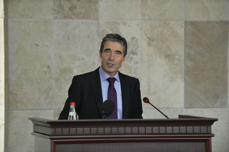 NATO Secretary General, Anders Fogh Rasmussen addressing faculty and students at Yerevan State University