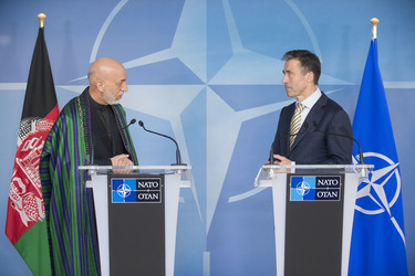 /nato_static_fl2014/assets/pictures/2013_04_130423m-visit-karzai/20130423_130423m-004_rdax_375x250.jpg