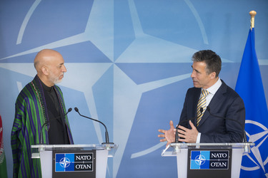 /nato_static_fl2014/assets/pictures/2013_04_130423m-visit-karzai/20130423_130423m-005_rdax_375x250.jpg