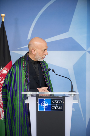 /nato_static_fl2014/assets/pictures/2013_04_130423m-visit-karzai/20130423_130423m-007_rdax_375x564.jpg