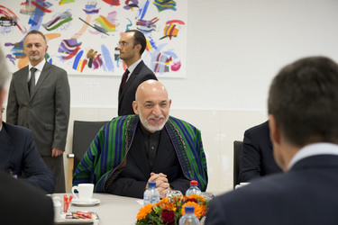 /nato_static_fl2014/assets/pictures/2013_04_130423m-visit-karzai/20130423_130423m-011_rdax_375x250.jpg