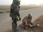 131211a-008.jpg - NATO and Iraq tackle deadly improvised explosive devices together, 51.76KB
