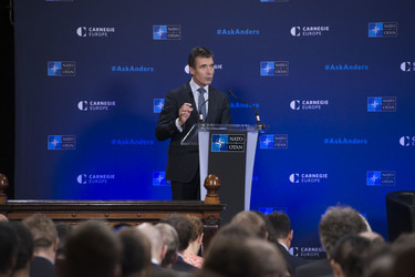 /nato_static_fl2014/assets/pictures/2014_09_140915a-sg-carnegie/20140915_140915a-002_rdax_375x250.jpg