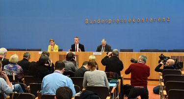 Press conference by NATO Secretary General Jens Stoltenberg with members of the German Federal Press Conference, Berlin