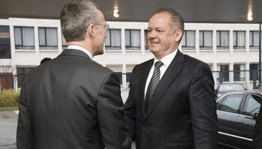 Secretary General and Slovak President discuss keeping NATO strong in a challenging world
